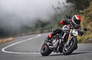 2017-ducati-monster-1200-s-fast-facts-2.jpg