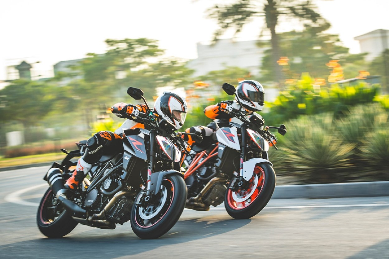 161988_KTM 1290 SUPER DUKE R MY 2017.jpg (1)