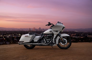 CVO_RoadGlide_2020_web.jpg