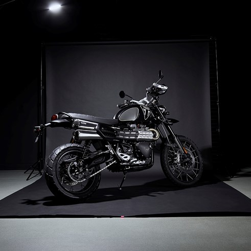 James Bond Triumph Scrambler MCTC (1).jpg